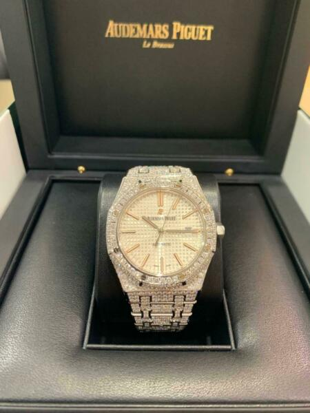 Audemars Piguet Royal Oak diamond set Steel watch Ref: 15400ST $42,000